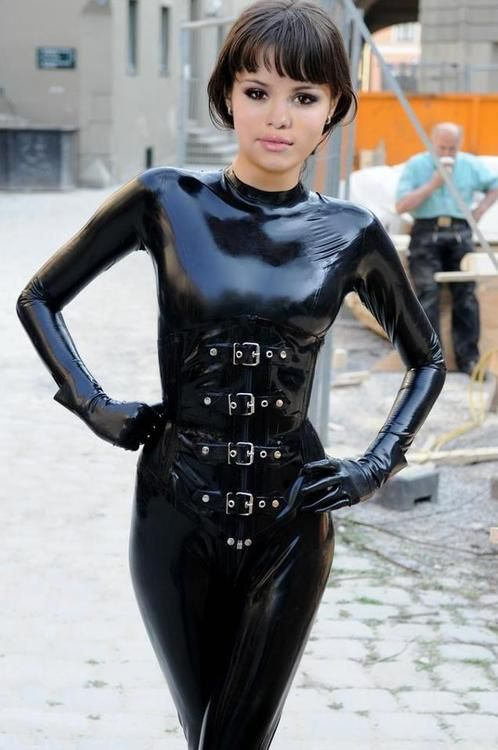 Pin P 229 Hot Rubber Latex Fetish