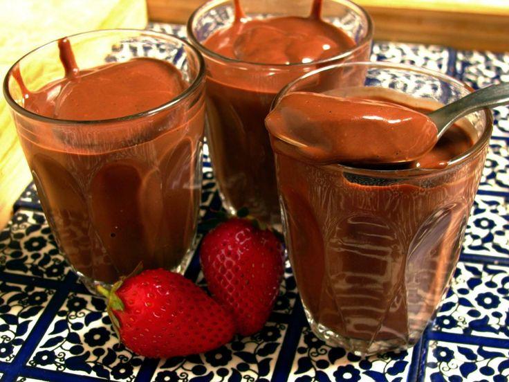 Receita de Chocolate quente cremoso. Enviada por Fernanda e demora apenas 10 minutos.