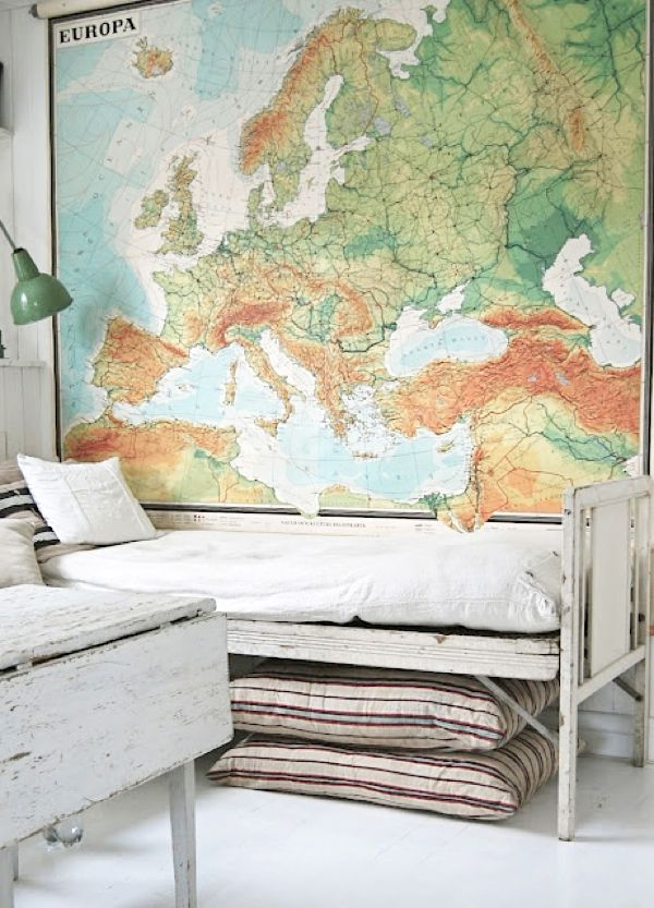 """rafa kids: Globe and map in children's rooms. This is perfect. Not """"over the top"""" children's room."""