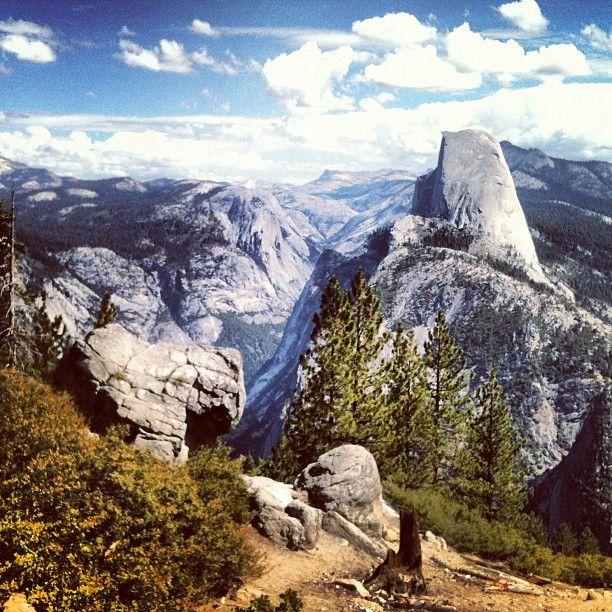 Glacier Point in Yosemite National Park, CA easy trail