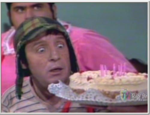 """Tarrrrrde Pessoal! <BR> <BR>Esse episódio passou hoje no 3° horário do Chaves no SBT, às 14:15...O Aniversário do Quico! Todos sabem o resumo: <BR> <BR>""""Quico fará uma festa de aniversário em sua casa e convida todos seus amiguinhos para invejare...digo, partilharem da mesma alegria com ele. Entretanto, no meio da festa começa uma discussão e Dona Florinda intervém: <BR> <BR>(Dona ..."""