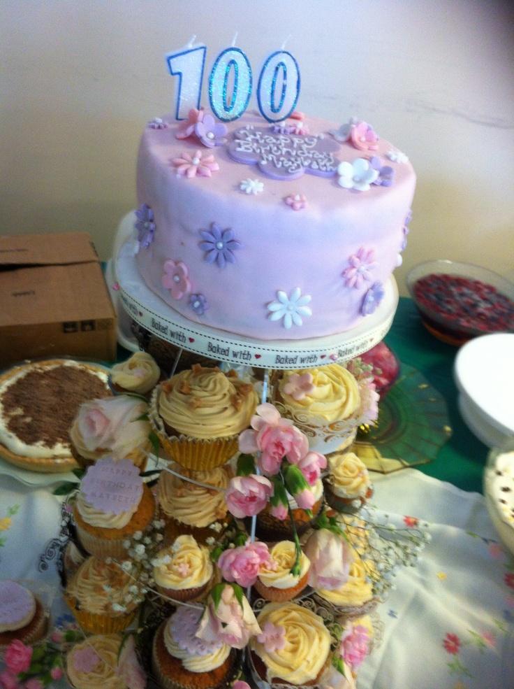 year birthday invitatiowordingiindiastyle%0A Cupcake tower birthday cake     year