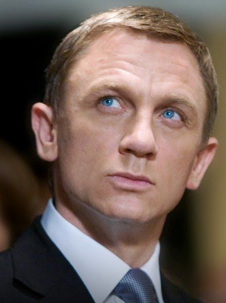 I don't want to see Daniel Craig in sweatpants. I barely even want to see his teeth, you know? He does two things and does 'em very, very well: wears the crap out of formalwear and smolder-grimaces.