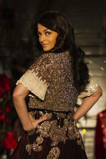 Manish Malhotra design at Amazon India Couture Week 2015