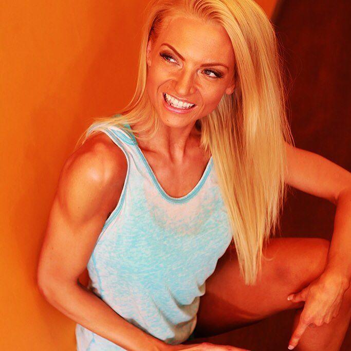 Smile is all you need  Hymy on jokaisen päivän paras asuste! Kiitos Denten Mari ystävällisestä sekä asiantuntevasta palvelusta! @dentekokkola  Rauhallisessa ympäristössä on kiva asioida! #white #smile #valkoiset #hampaat #teethwhitening #hymy #suuhygienisti #kokkola #helppo #hymyillä #pickoftheday #happygirl #fitness #fit #fitnessmodel #sport #bikinicompetitor #fit #fitgirl #fitnessmotivation #fitnessjourney #girl #stuff #smilemore #good #day #today #finnishgirl #finland #tyttöjenjuttuja by…