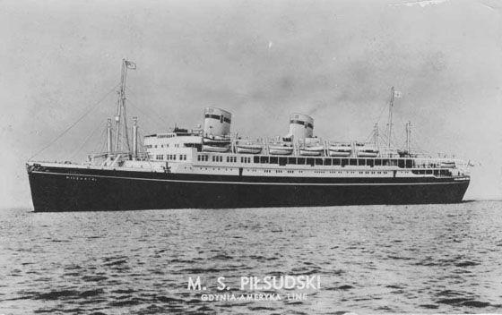 """MS Piłsudski"". Więcej o historii statku na stronie: http://legendtitanic.blogspot.com/2012/11/polski-titanic-czyli-ms-pisudski.html"