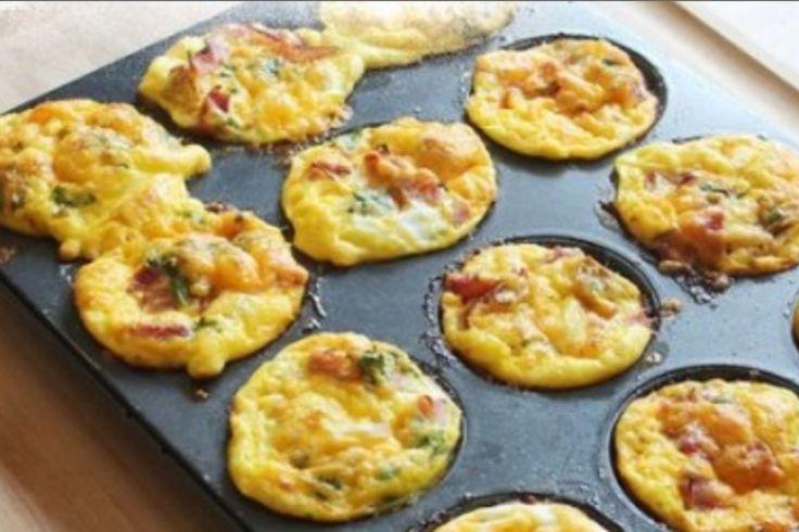 Un déjeuner santé..Un muffin œuf, jambon, fromage