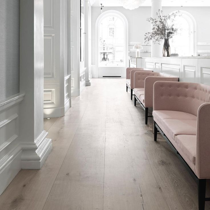 Wide plank flooring at Spring Restaurant - HeartOak by Dinesen