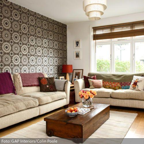 Wohnzimmer in Orange, Braun und Teakholz - tapeten wohnzimmer braun