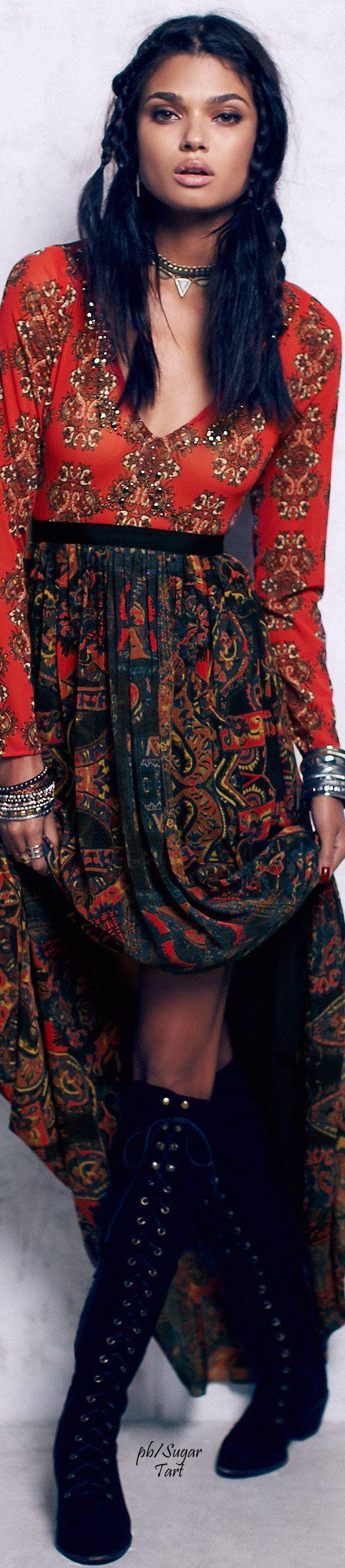 ♥ my designs? http://TatianaAndrade.com ↣✧❂✧ TatiTati Style ✧❂✧↢ Love the color/pattern in this Boho dress! See innovative designs! http://www.tatianaandrade.com