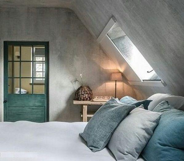 Mooie zolder in grijstinten met DIY project voor het raam