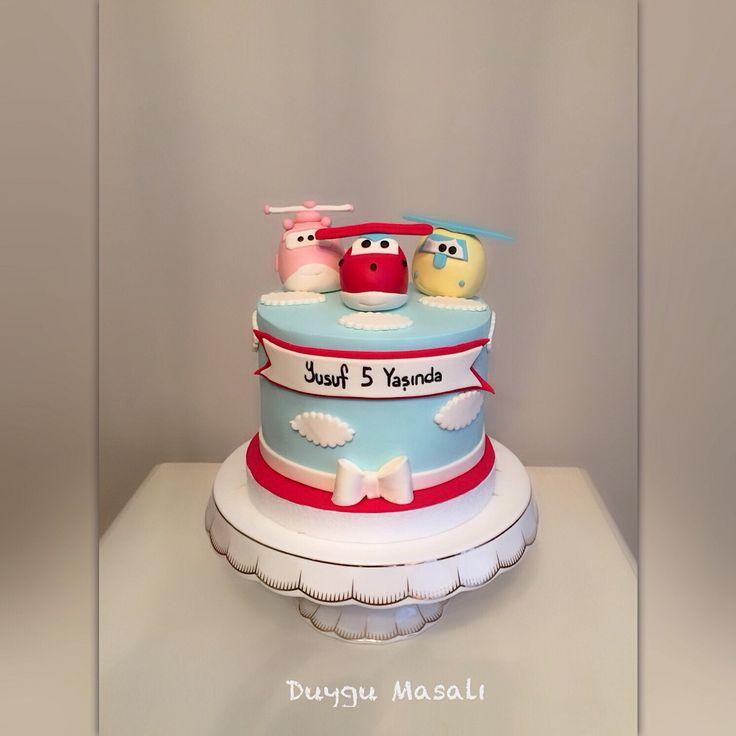 Harika Kanatlar Yusuf'la 5. Yaş doğum gününde buluştu✌(stand sevgili arkadaşım @zzeyneppalp in doğum günü hediyesi) www.duygumasali.com #harikakanatlar #dogumgunupastasi #superwings #superwingscake #butikpasta #sekerhamuru #5 #edirne #cupcake #cakepops #tasarımpasta #pastatasarım #pastamodeli #edirnebutikpasta #happybirthday #birthdaycake #gökyüzü #bulut #robot #pasta #cikolata #duygumasali #trakya #erkekcocuk