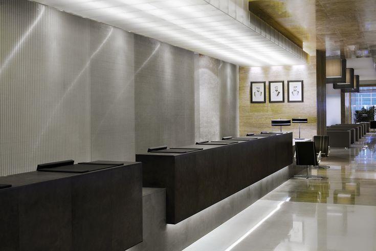 Hotel reception counter radisson royal 5 star hotel in for Reception design hotel