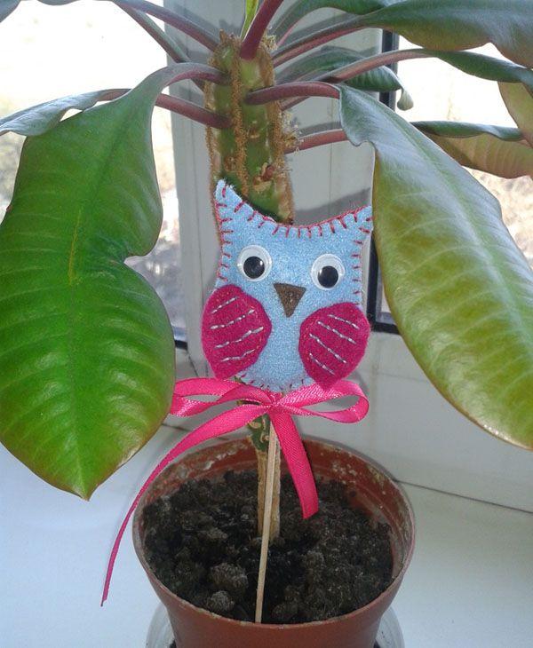 Owl made of felt