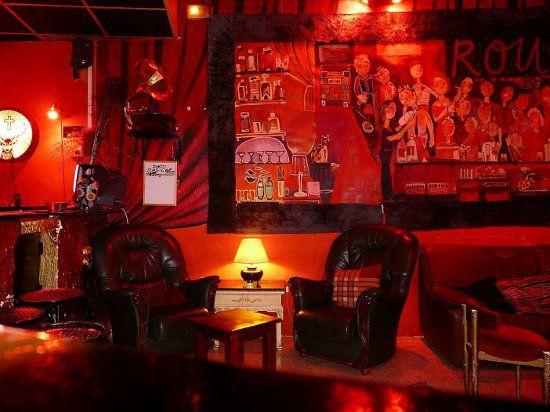 ROUGE BAR: Un bar de noche íntimo y seductor en el Poble Sec de Barcelona | DolceCity.com