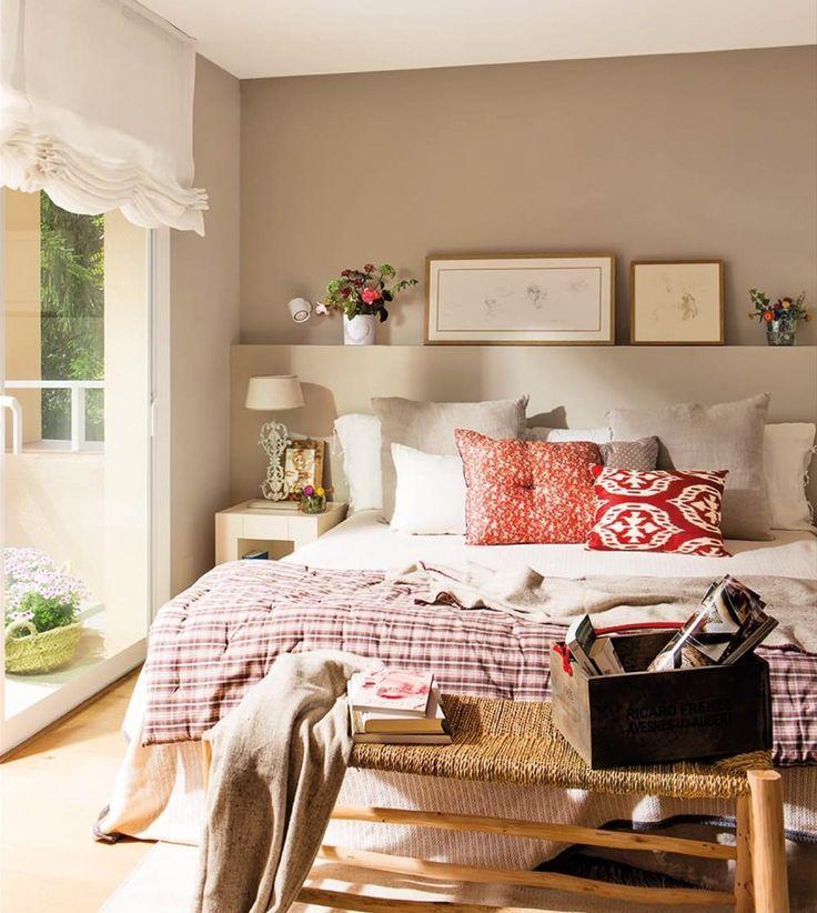 Esta casa en Alella fue vendida después de un divorcio. La interiorista Jeanette Trensig le dio nuevos aires, con tonos frescos y azulados.