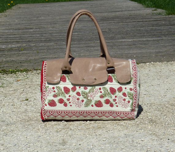 TOTE Bag Leather Tapestry Rouge  medium purse  beige by dawnaparis, €80.00