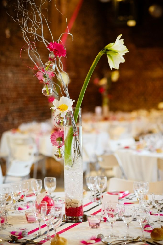 ... hot pink & silver wedding decoration  Pinterest  Mariage, Hot pink