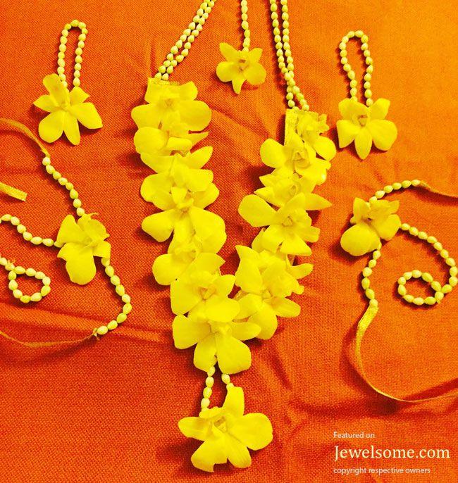 Mira Rajput mehndi flowers jewellery