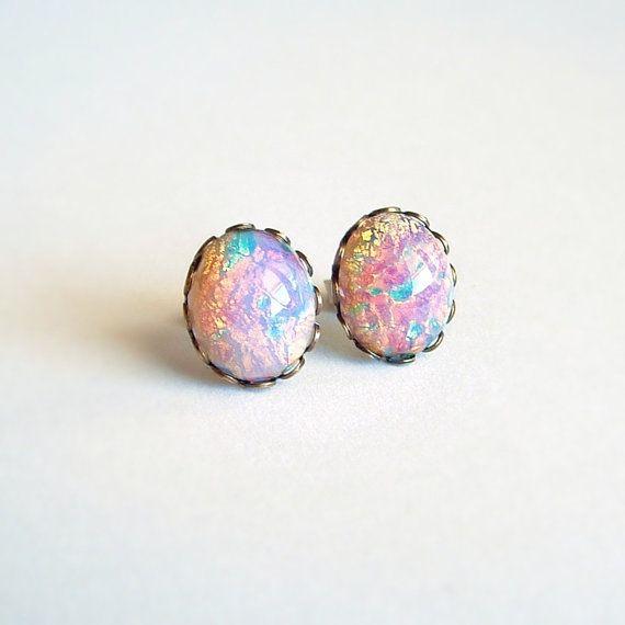 Opale de feu Stud boucles d'oreilles Vintage verre par skeptis, $14.00