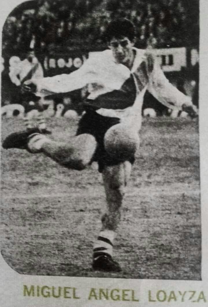 Considerado uno de los mejores dominadores de esférico en Argentina lo trajo Don Álex Gorayed dos temporadas 69 - 70  Vino de River Plate ,Huracán cuando el futbol Peruano era de los mejores de Suramérica