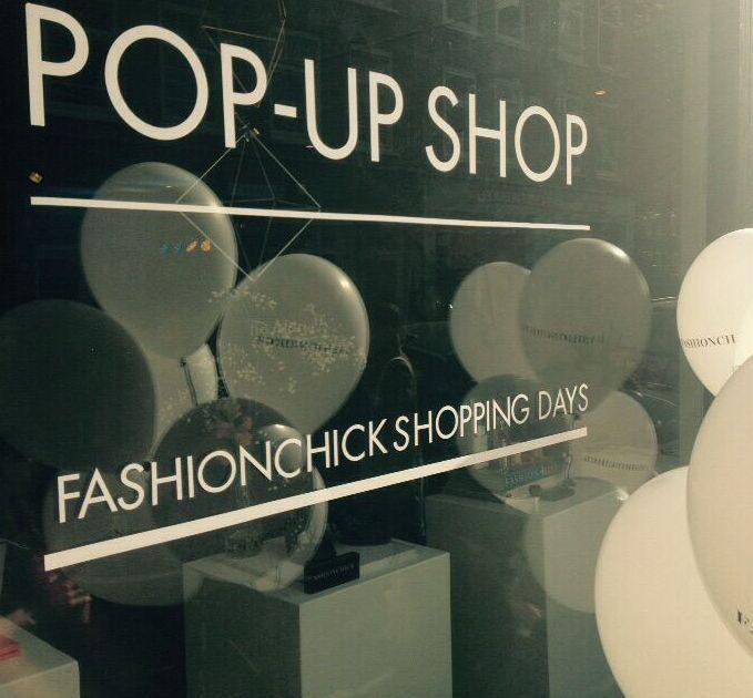 Fashionchick heeft al meerdere malen een pop-up store geopend. Zo konden zij offline fysiek aanwezig zijn, maar ook fashion advies geven.