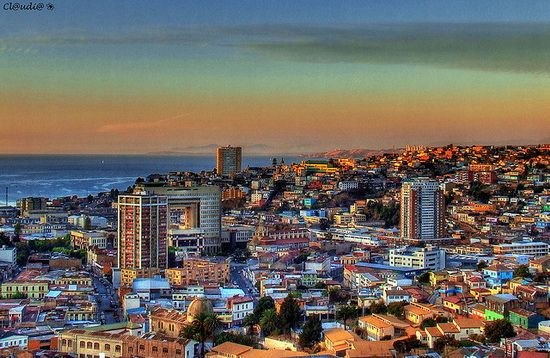 THE WORLD GEOGRAPHY: 11 of the Most Colorful Cities in the World:  Valparaiso in Chile.