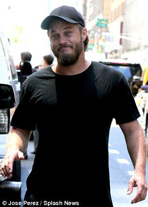 Travis Fimmel Unofficial                                                       …