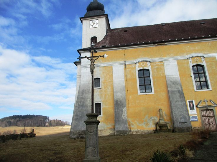 Křížek u kostela - Lobendava - Ústecký kraj