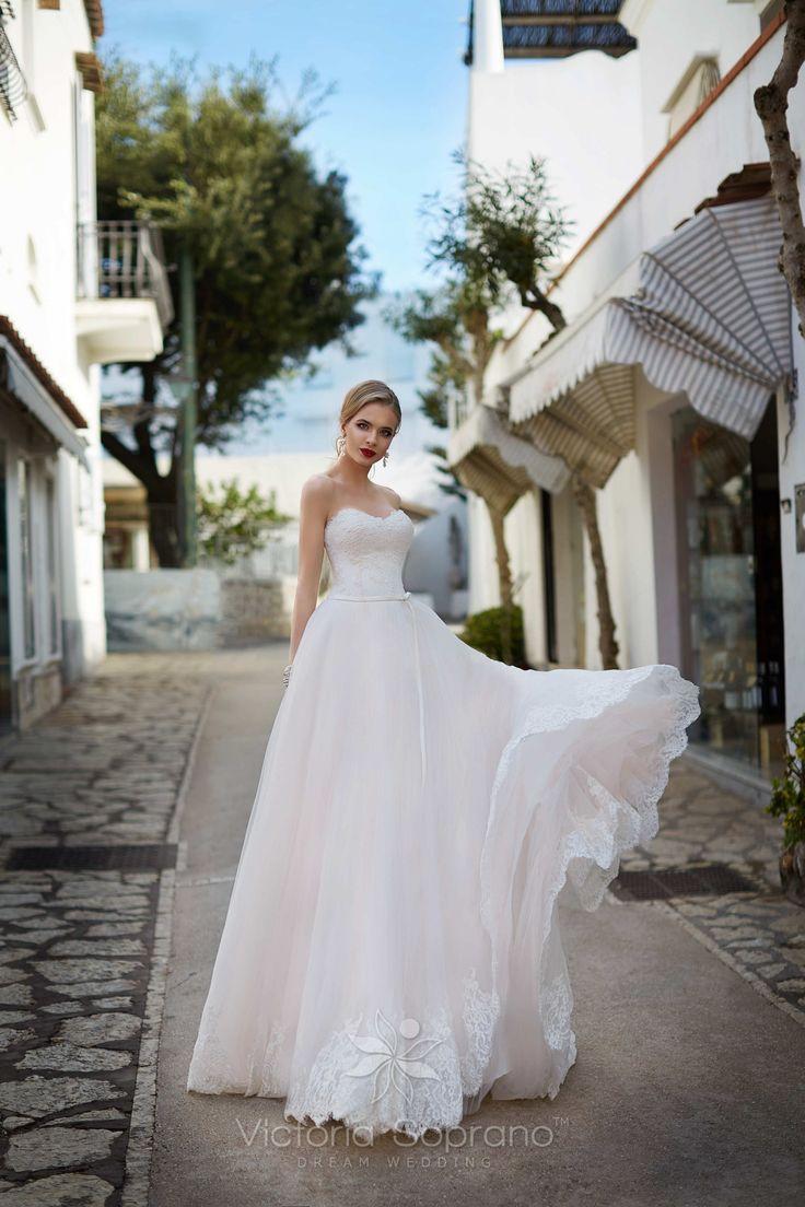 VALERIA#wedding, #weddingdress, #nefelejcsruhaszalon, #esküvőiruha,#esküvő, #menyasszonyiruha,#menyasszony