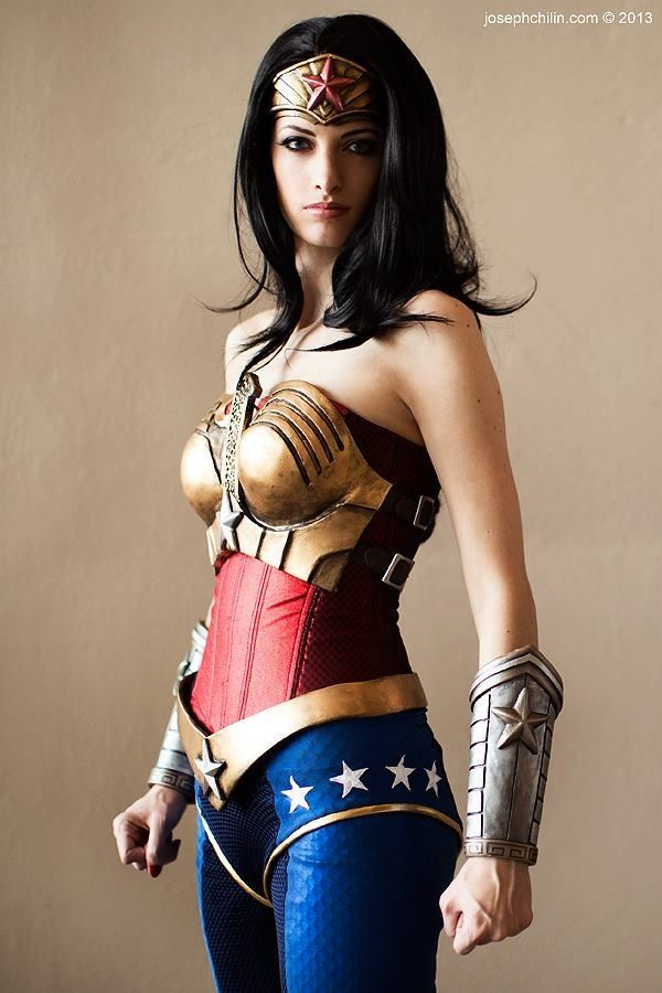 Wonder Woman Cosplay, Injustice League - via Imgur