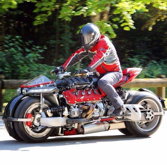 Dope or Nope? 👍👎? 📸 @lazarethmotors ➖➖➖➖➖➖➖➖➖➖➖➖➖➖➖ #Ducati #instamotogallery #motorcycle #bikelife #moto #motogp #sportbike #superbike #instamotorcycle #instamoto #pistonaddictz #bikeswithoutlimits #sportsbikelife #r1 #honda #yamaha #kawasaki #suzuki #gsxr600 #cbr600rr #r6 #s1000rr #bikenight #yzf #yamahar1 #rideout #motogp2016 #bikerchick #bikergirl #arai