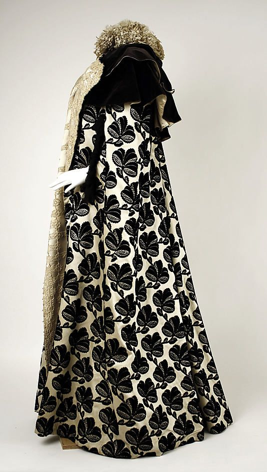 Mantle, Evening.  House of Worth (French, 1858–1956).  Date: late 1890s. Culture: French. Medium: silk. Dimensions: Length at CB: 61 1/2 in. (156.2 cm).