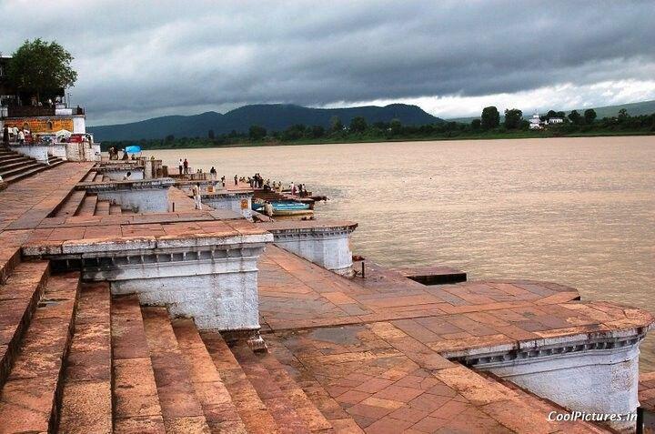 Río Narmada.