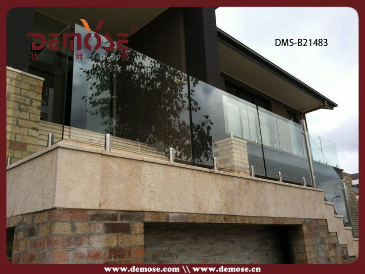 Outdoor glass balustrade systems
