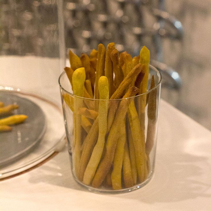 bread sticks flavored with ginger