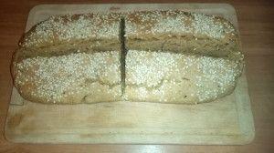 Zoals ik al eerder schreef bij een recept voor een spelt-haverbroodje ben ik dol op brood. Er gaat voor mij eigenlijk niets boven een heerlijke boterham met kaas. Nu is er niets mis mee om dit zo af en toe te eten, maar ik probeer de inname van tarwe wel tot een minimum te beperken. …