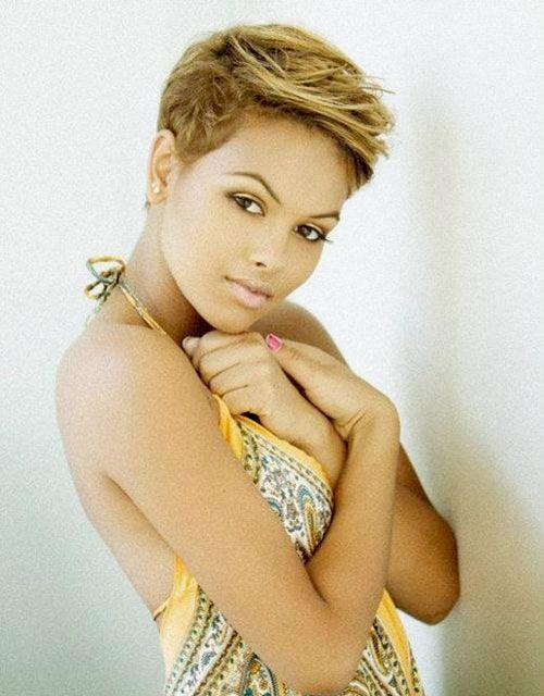 Pixie Coiffures avec Faits saillants pour les femmes noires - http://beaute-coiffures.com/pixie-coiffures-avec-faits-saillants-pour-les-femmes-noires/