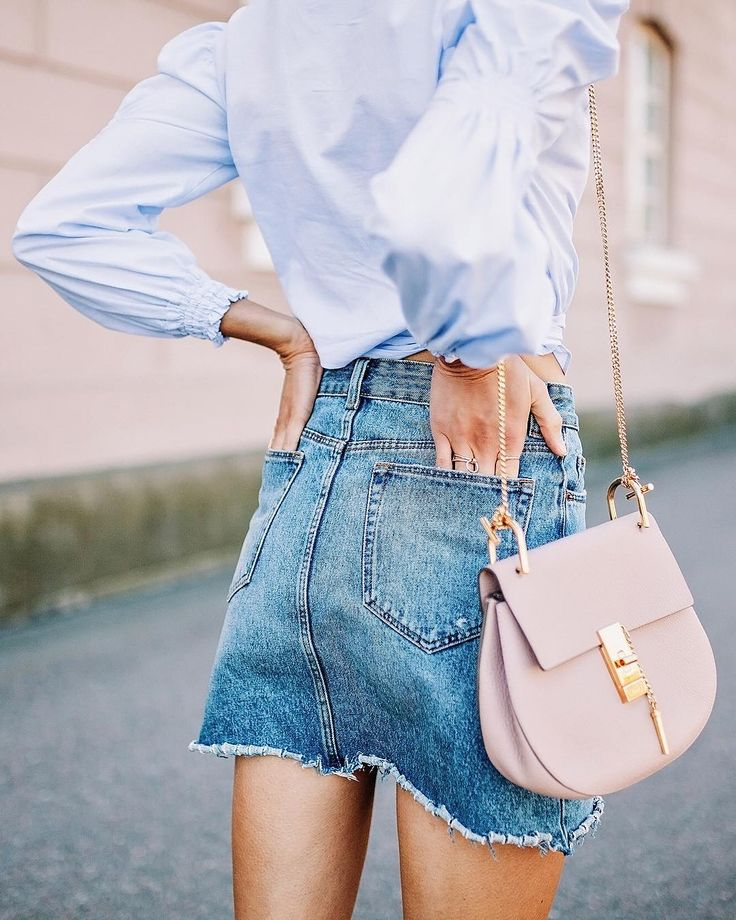 Summery outfit details with a cool denim skirt and pink Chloé bag - Anna, Arctic Vanilla blog.