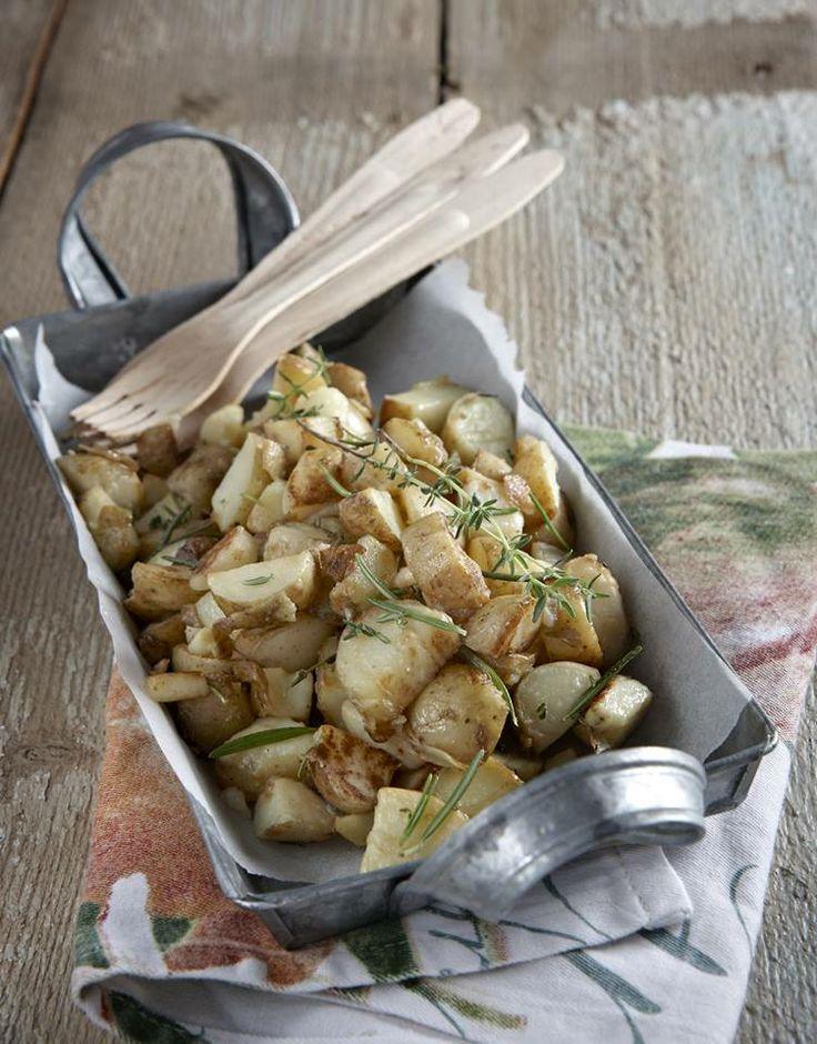 Πατάτες στο τηγάνι με θυμάρι, δεντρολίβανο και σκόρδο!