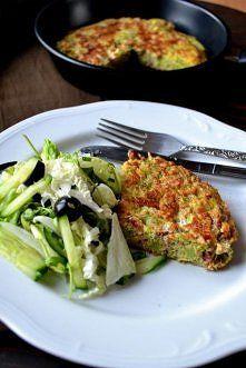 Zobacz zdjęcie zdrowy obiad w 15 minut ? Da się ! Omlet z brokułem i szynką plus zielona sał...