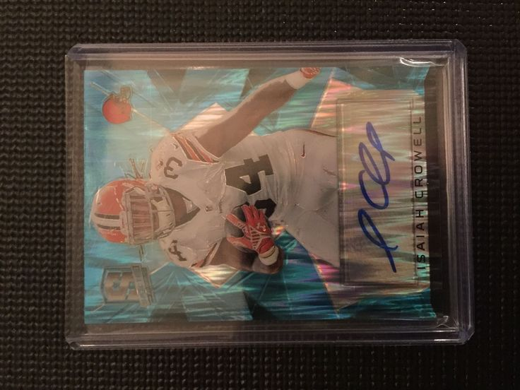2015 Panini Spectra Signatures Neon Blue Isaiah Crowell Auto Cleveland Browns