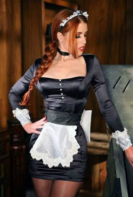 Pin By Shelby Griffith On Me Maid Outfit Maid Cosplay