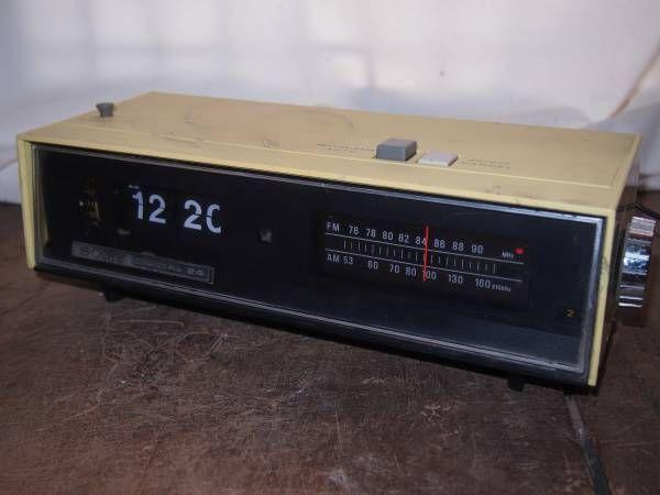 SONY デジタル時計付きラジオ 8FC-59F パタパタ時計 傷・傷み多し ジャンク扱い 受信OK_画像1