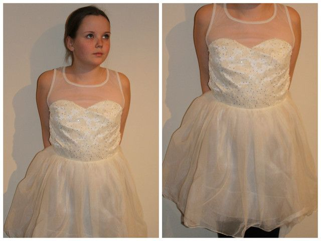 Teenagers' dress for the party - option 2