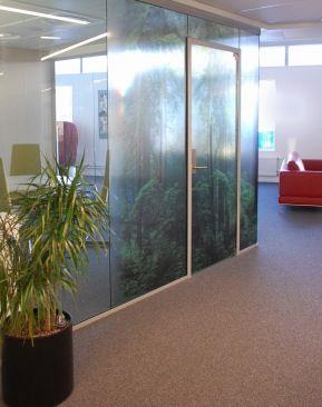 Gjennomsiktig fototrykk på møterom - Faveo Prosjektledelse AS - Lindbak