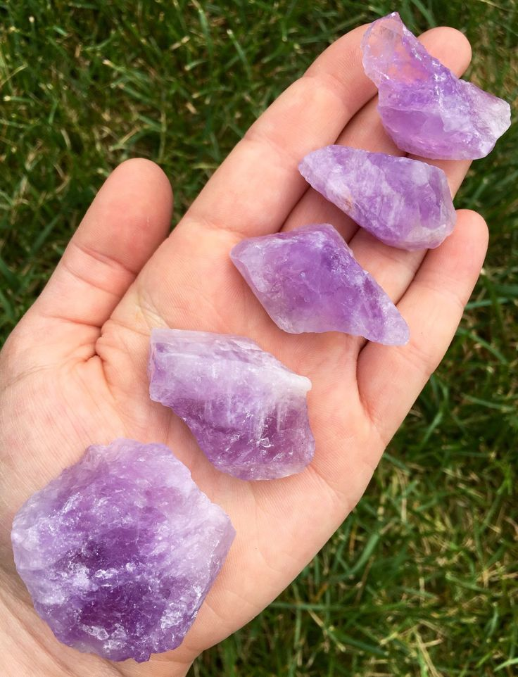 Amethyst is a natural stress reliever that also encourages inner strength, spirituality and intuition. It attracts positive energy while ridding the body or your home of negative energy. Promotes sobr