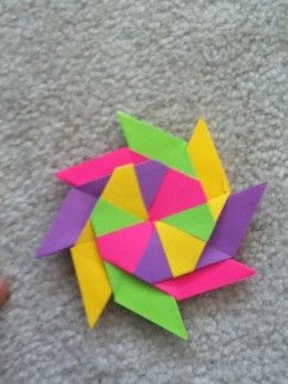 Ninja Star | Instructions: http://themasterhubber.hubpages.com/hub/How-To-Make-A-Sticky-Note-Ninja-Star#