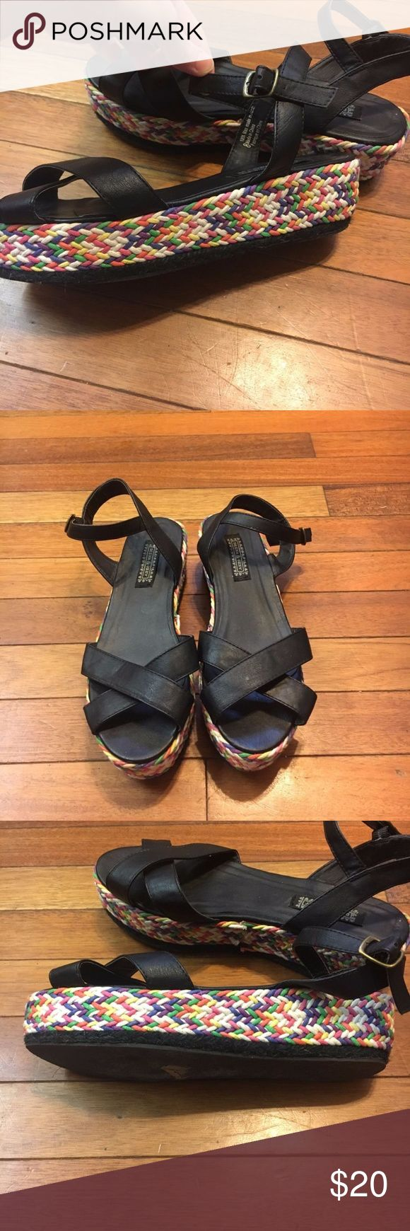 Deena & Ozzy Anthropologie Urban Outfitters Wedge Size 8. Beautiful shoes Deena & Ozzy Shoes Wedges