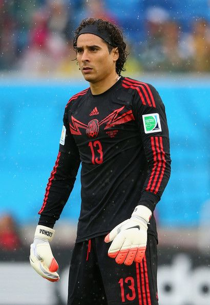Guillermo Ochoa. Portero mexicano mundialista, arquero del America luego tranferido al futbol europeo